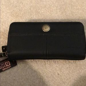Stone mountain leather wallet/clutch